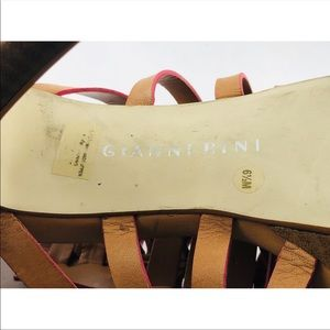 Gianni Bini Shoes - Gianni Bini tan/pink heels